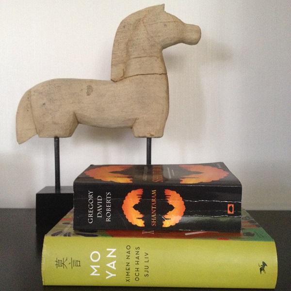 Shantaram av Gregory David Roberts och Ximen Nao och hans sju liv av Mo Yan